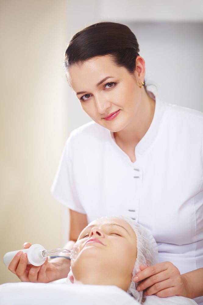 Anti-aging treatment at beauty salon