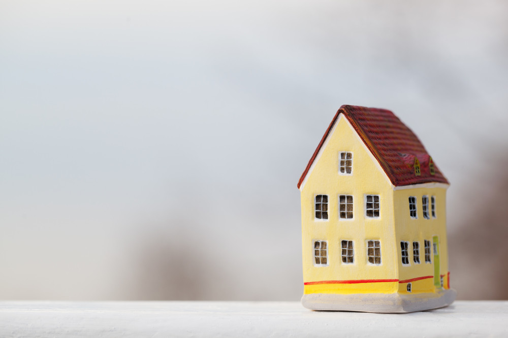 Miniature house figurine