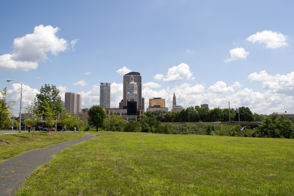A view of the city skyline in Hartford Connecticut on a nice day.