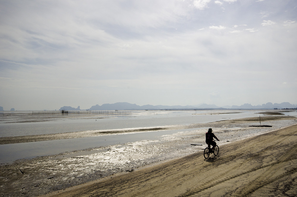 Alone bicycle on beach