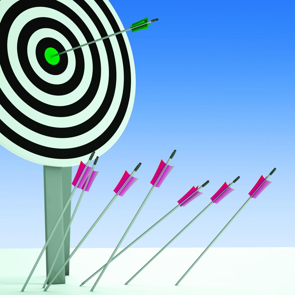 Arrow On Dartboard Showing Efficiency
