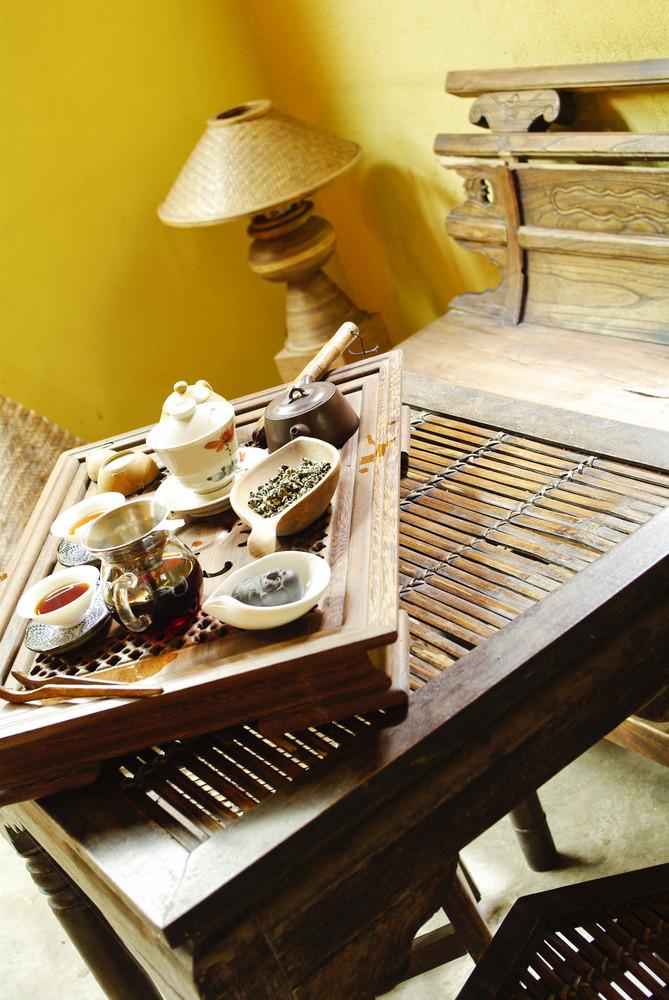 Asian tea set detail at chinese caf�
