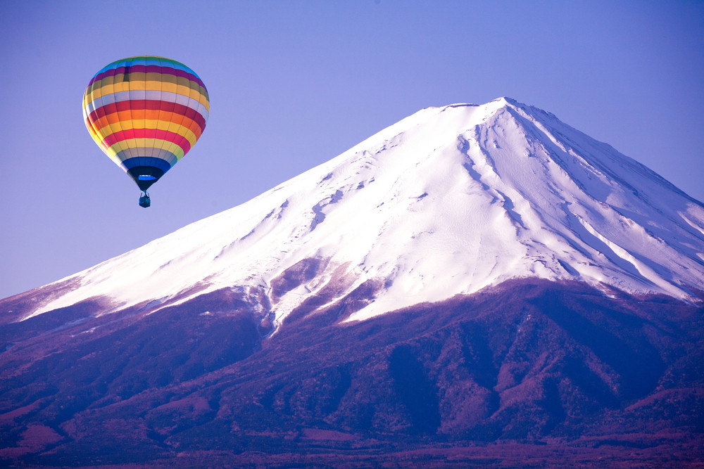 Balloon on mount fuji from japan