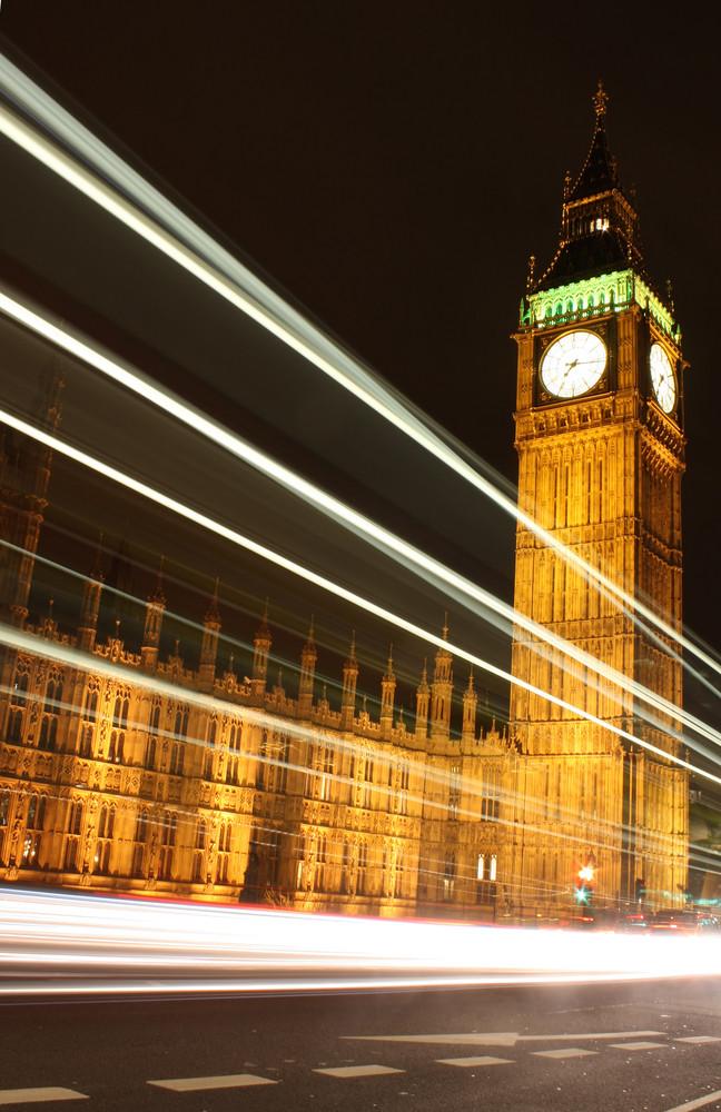 Big Ben With Traffic At Night
