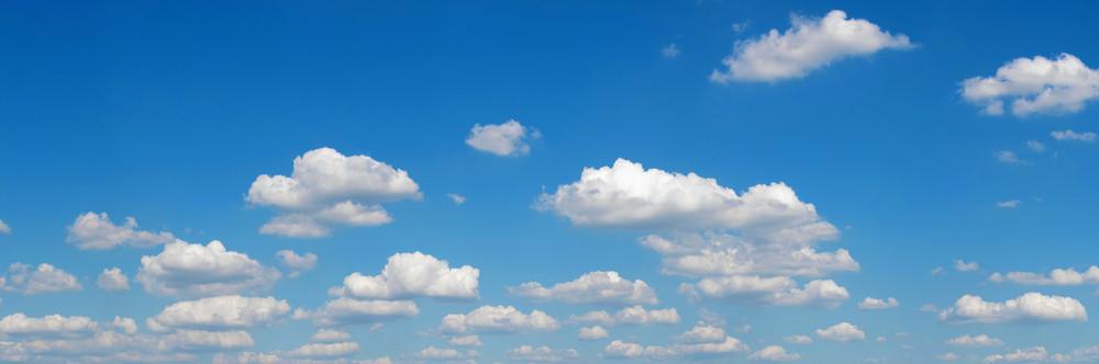 Panorama do céu azul