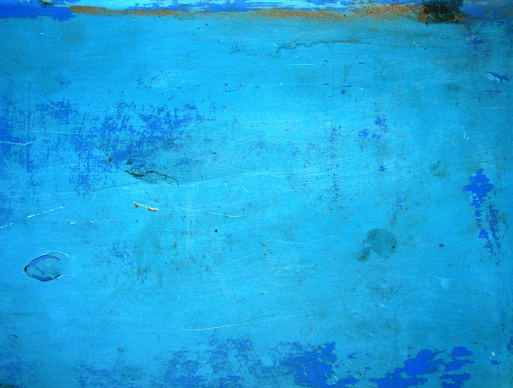 Blue_painted_wall