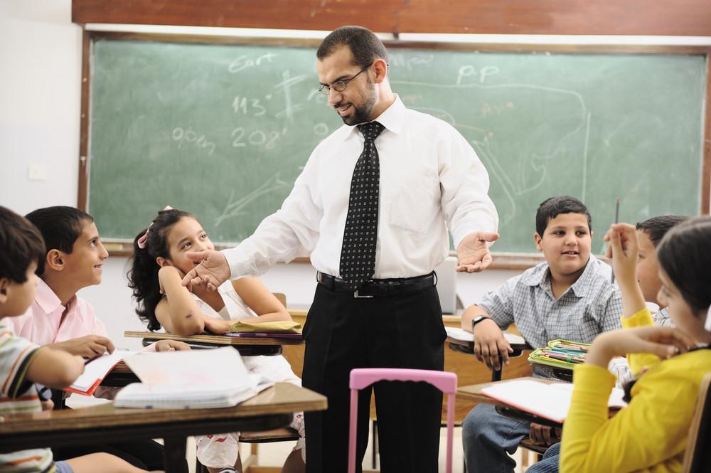 Crianças na sala de aula da escola