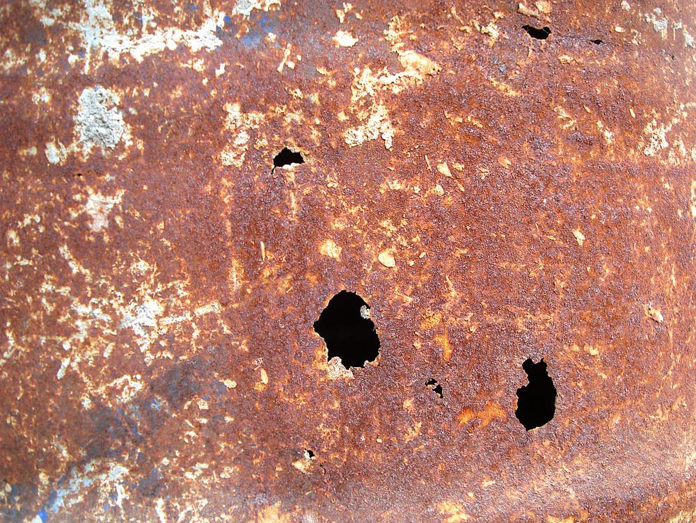 Damaged_rusty_sheet