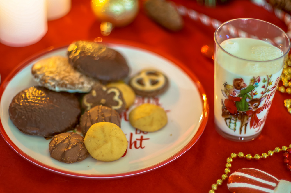 Christmas Cookies With Milk