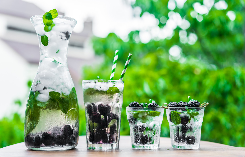 Sparkling Water With Blackberries