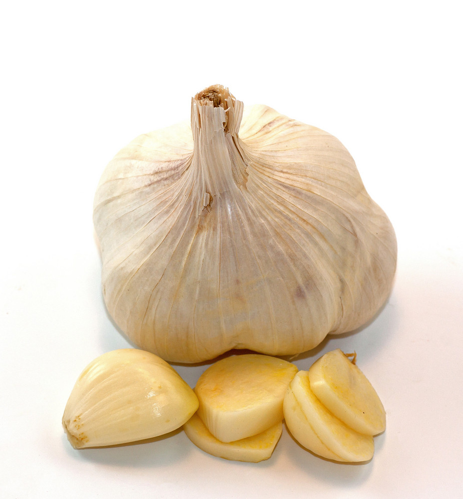 Garlic Clove With Slices