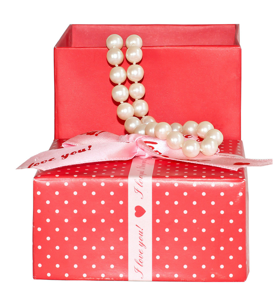 Gift Box With Valentine Pearls