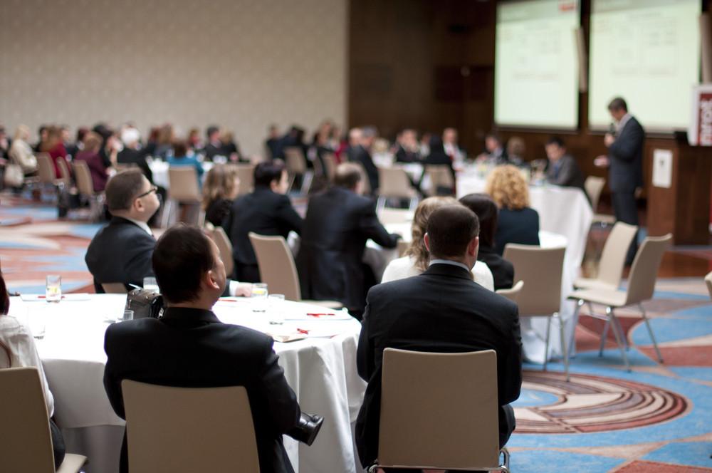 マネージャーのための屋内ビジネス会議。