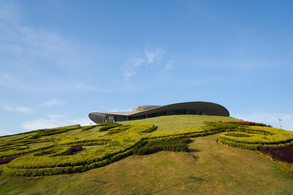 PUTRAJAYA, MALAYSIA - DEC 27, 2015 : Root top of putrajaya International Convention Centre located at Putrajaya, Malaysia.