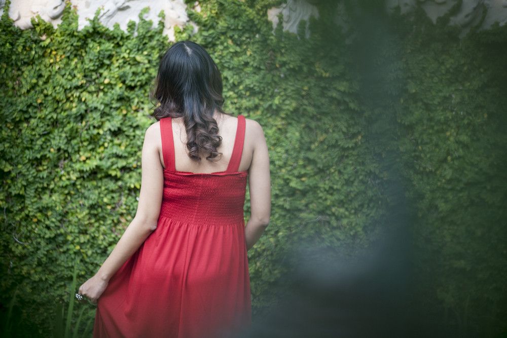 Image of pregnant woman in back