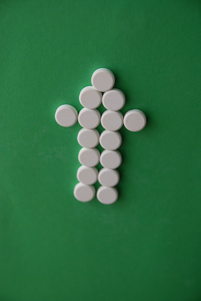 Tablets in arrow formation