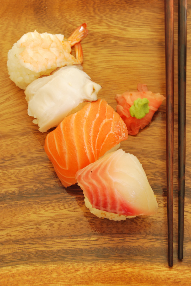 Nigiris Sushi Meal (salmon