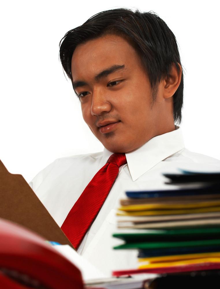 Office Manager Prüfen von Berichten
