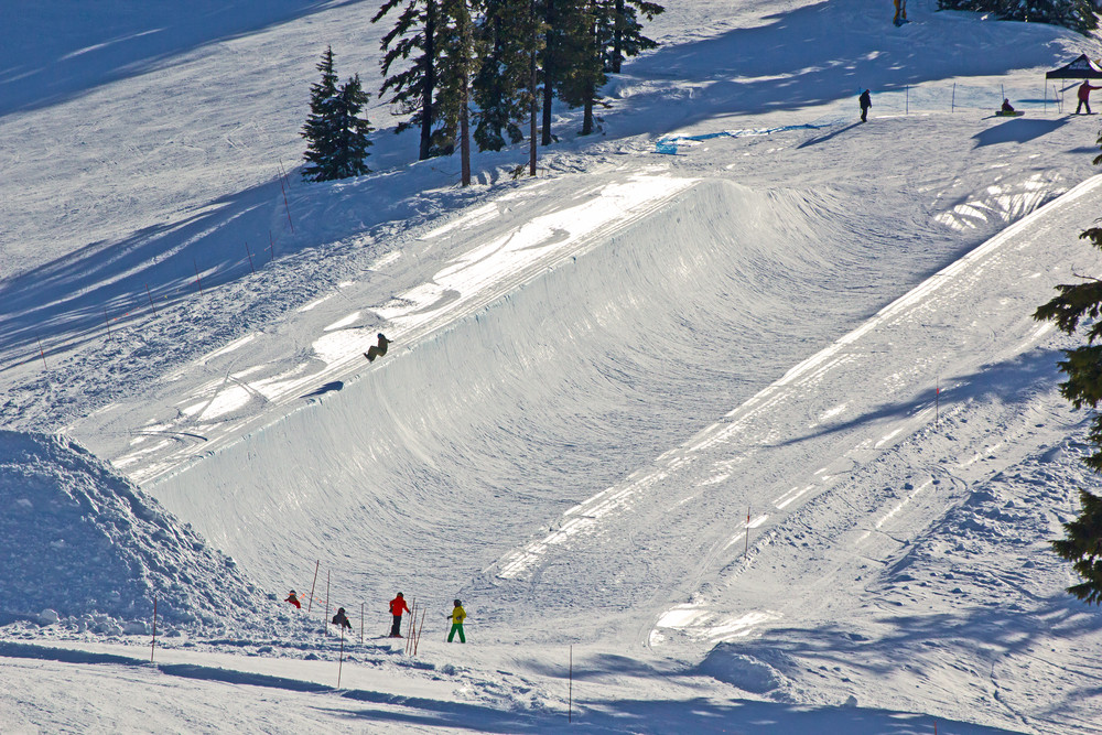 People Snowboarding