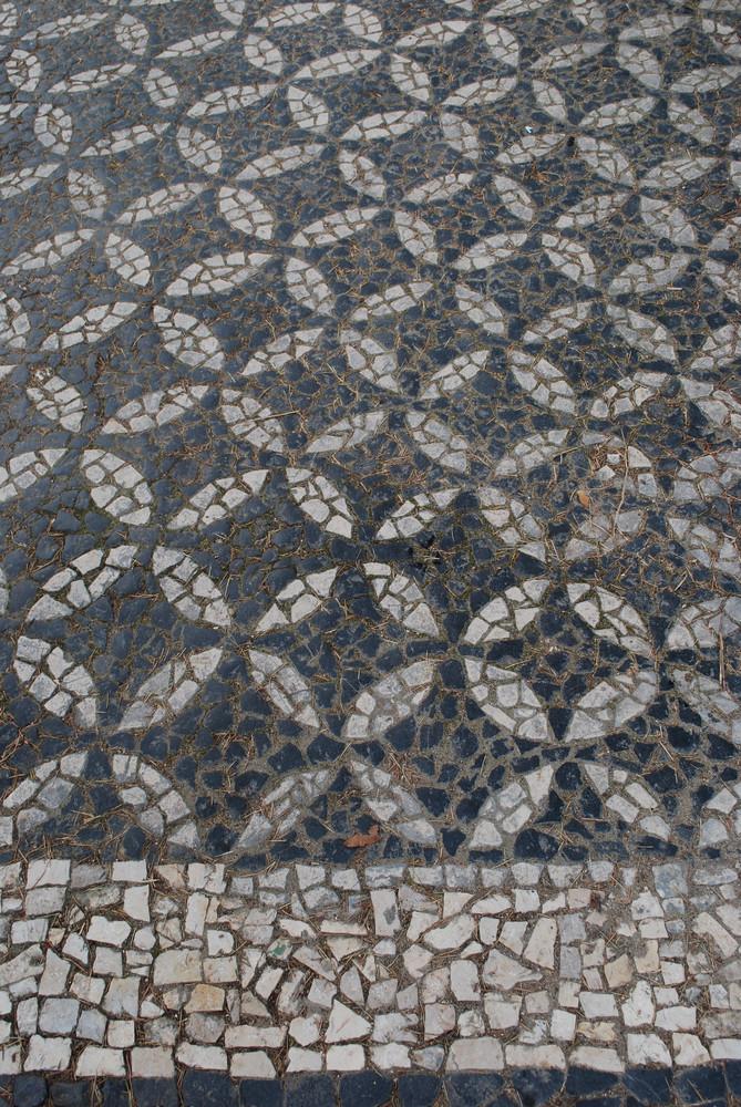 Portuguese Tradition Black And White 'calÁada'