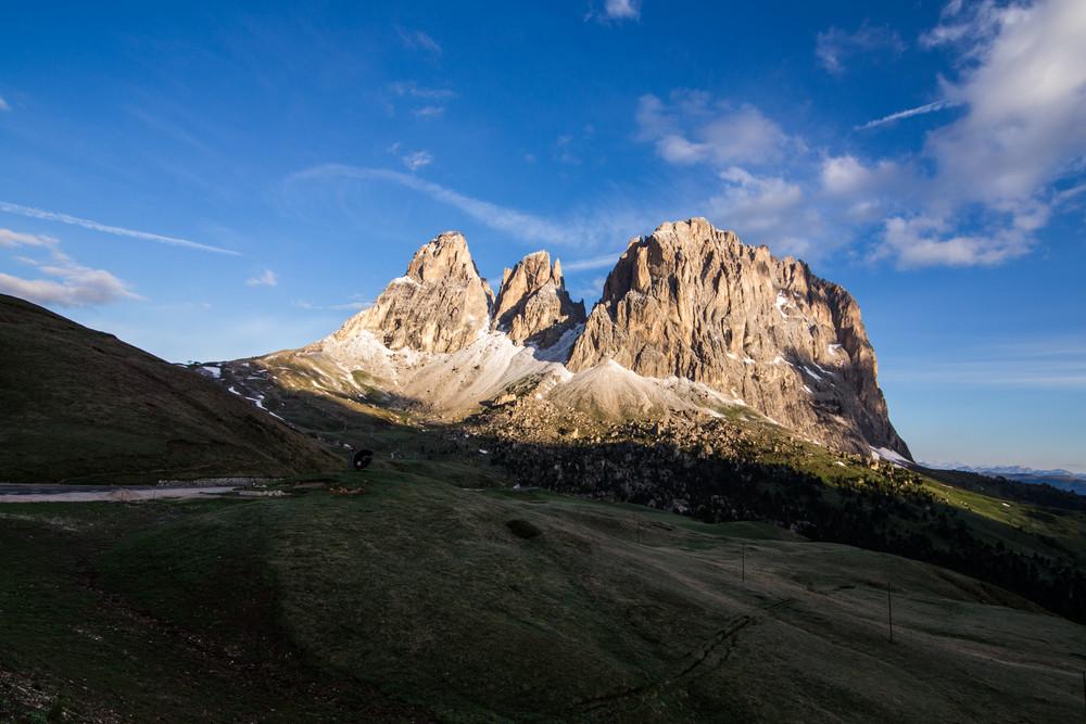 Sasso Lungo, Cinquedita and Sasso Levante mountains as seen from the trail to Rifugio Sassopiatto, Dolomites, South Tyrol, Italy