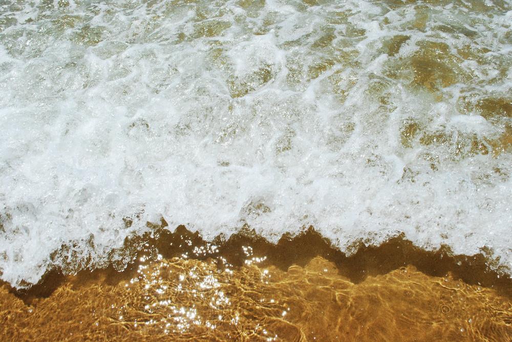 Sparkling Ocean Scene Background