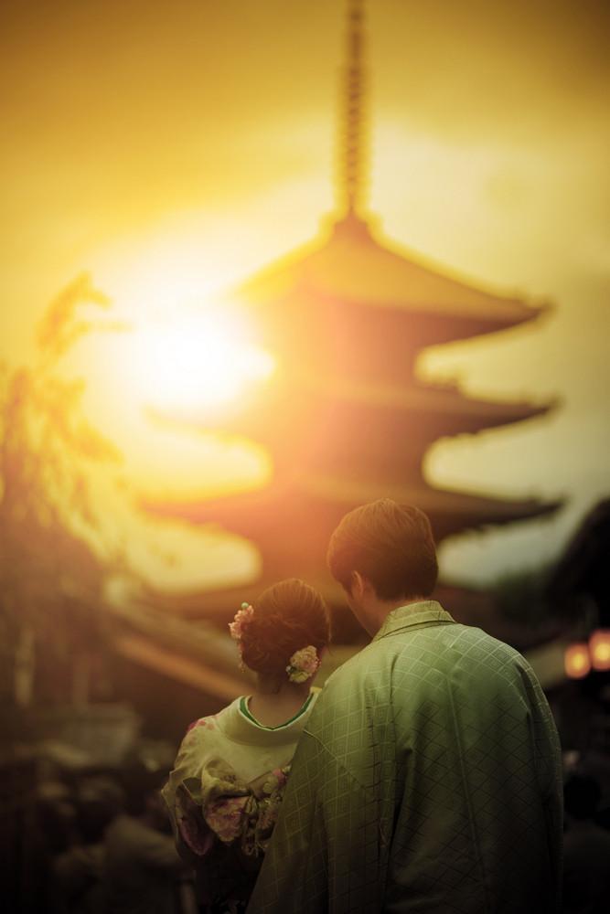 tourist taking a photograph at yasaka shrine pagoda ,yasaka shrine is one of most popular traveling destination in kyoto japan