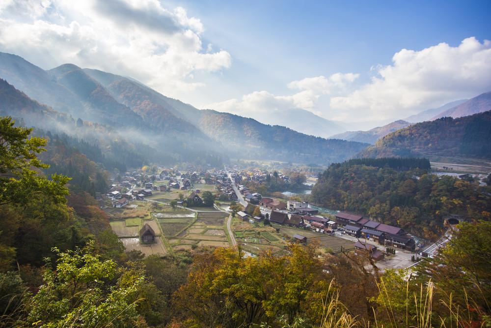 Traditional and historical japanese village ogimachi shirakawa-go japan