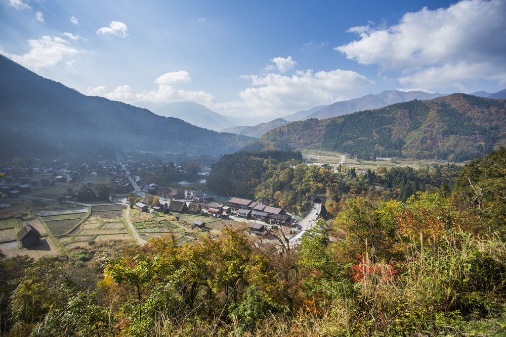 Traditional and historical japanese village ogimachi shirakawa-go japan