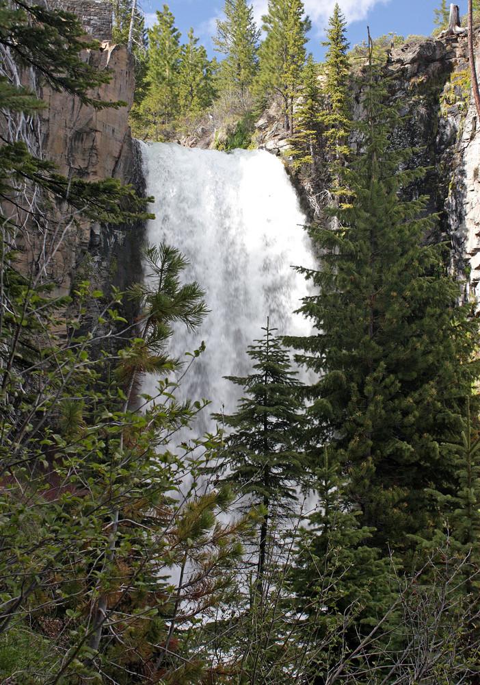 Tumalo Falls Close
