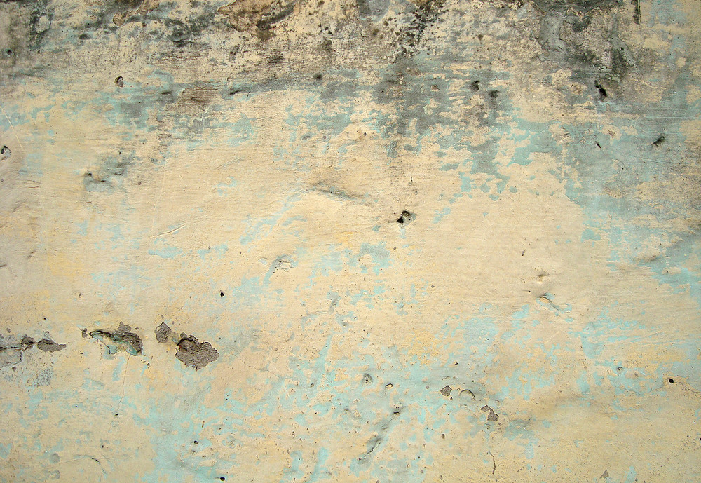 Whitewash_on_old_concrete_wall