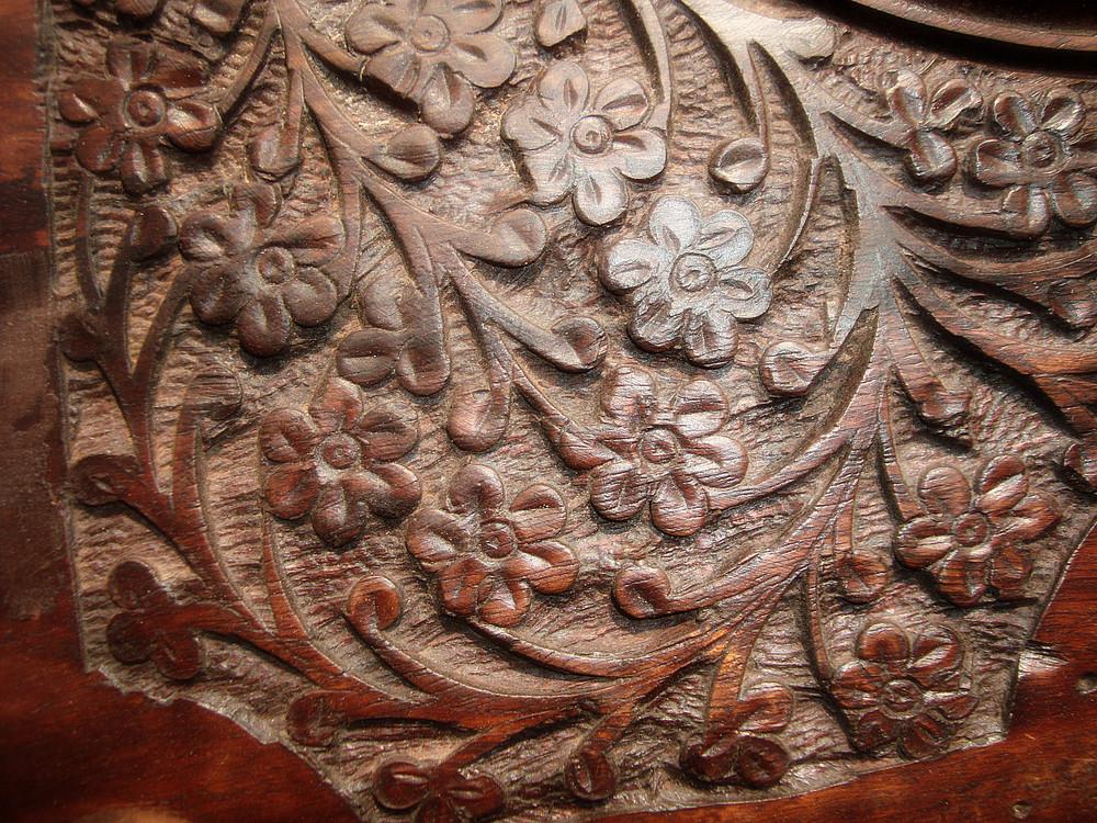 Wood_carve_background