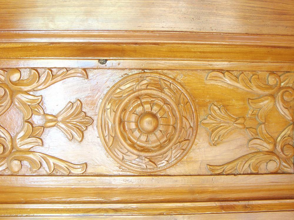 Wooden_carve