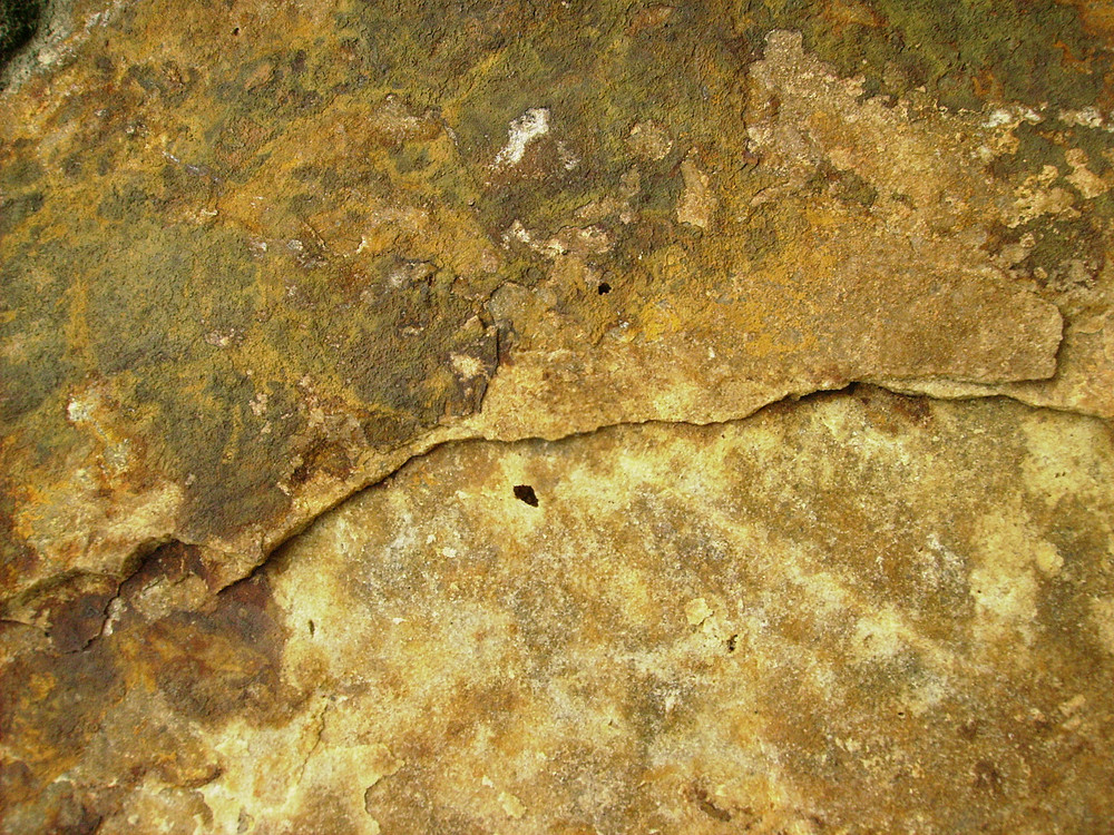 Yellow_rocks