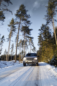 4x4 driving on a snowy road