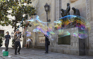 Soap bubbles performance in barcelona