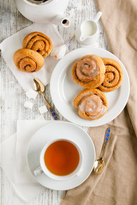 Breakfast With Cinnamon Bun