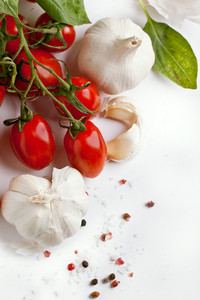 Garlics With Tomatoes