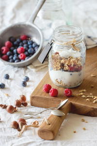 Granola With Yogurt Berries