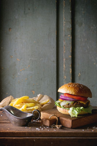 Burger And Potatoes