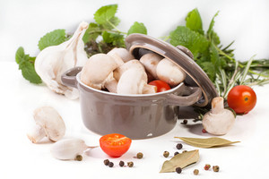 Mushrooms,  Tomatoes And Herbs