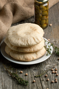 Pita Bread With Thyme And Olives