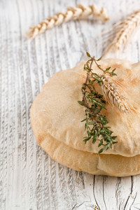 Pita Bread With Thyme And Ears