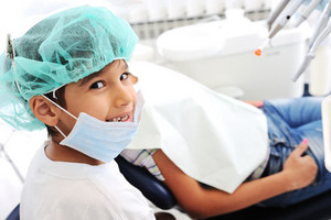 Child Dentist's teeth checkup