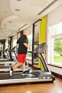 Man jogging indoor