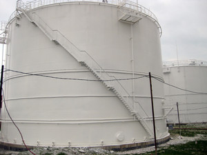 Tank the vertical steel. capacities for storage of oil