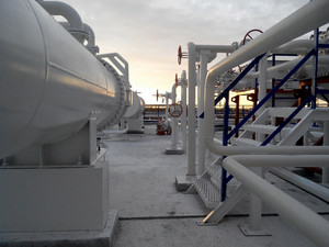The area of the equipment to cool the oil product.  equipment for primary oil refining.