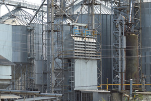 Auxiliary equipment for drying a grain plant. electrical transformers.