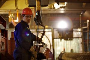 Welding machine operator. welding underwater pipeline.