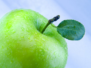 Beautiful Green Apple With Water Drops